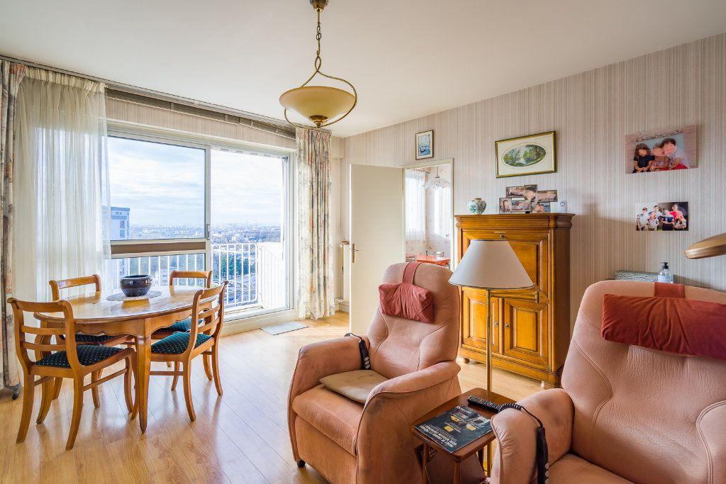 Appartement à vendre 4 80m2 à Sucy-en-Brie vignette-2