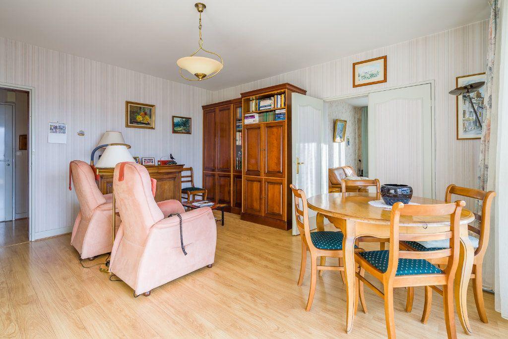 Appartement à vendre 4 80m2 à Sucy-en-Brie vignette-3