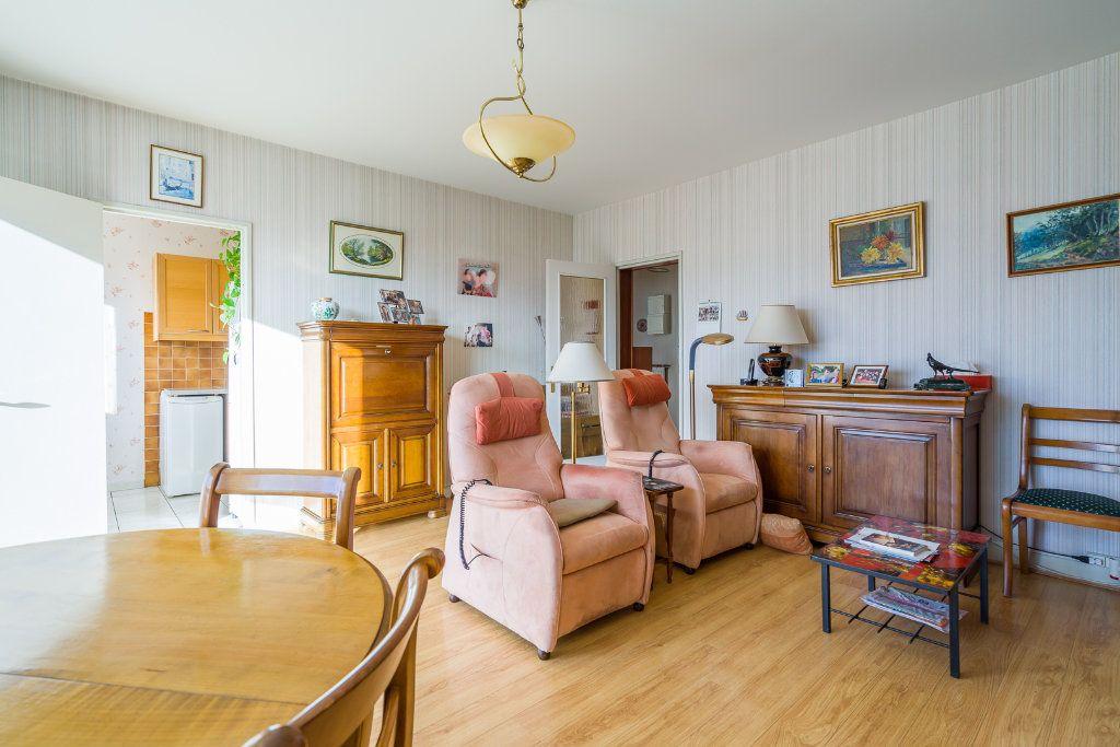 Appartement à vendre 4 80m2 à Sucy-en-Brie vignette-4