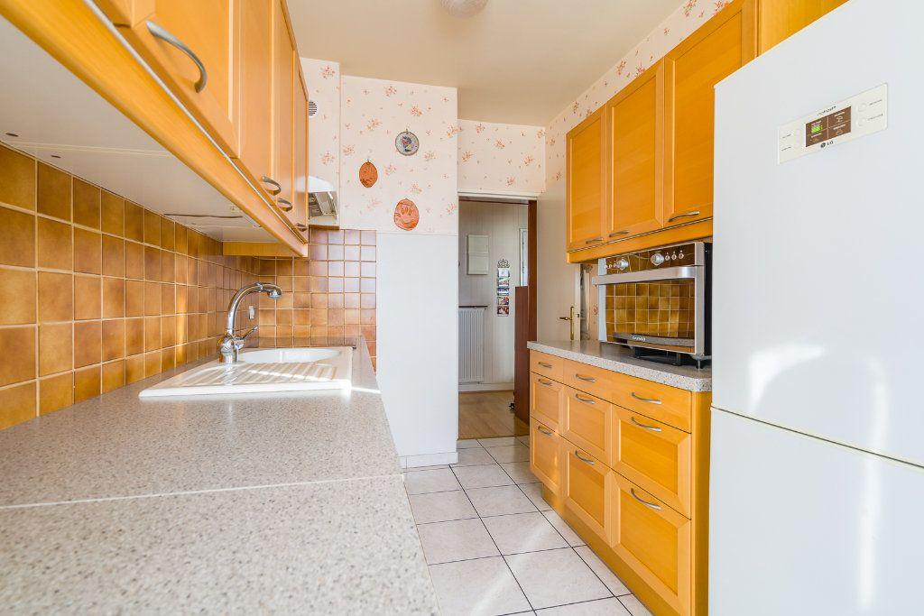 Appartement à vendre 4 80m2 à Sucy-en-Brie vignette-6