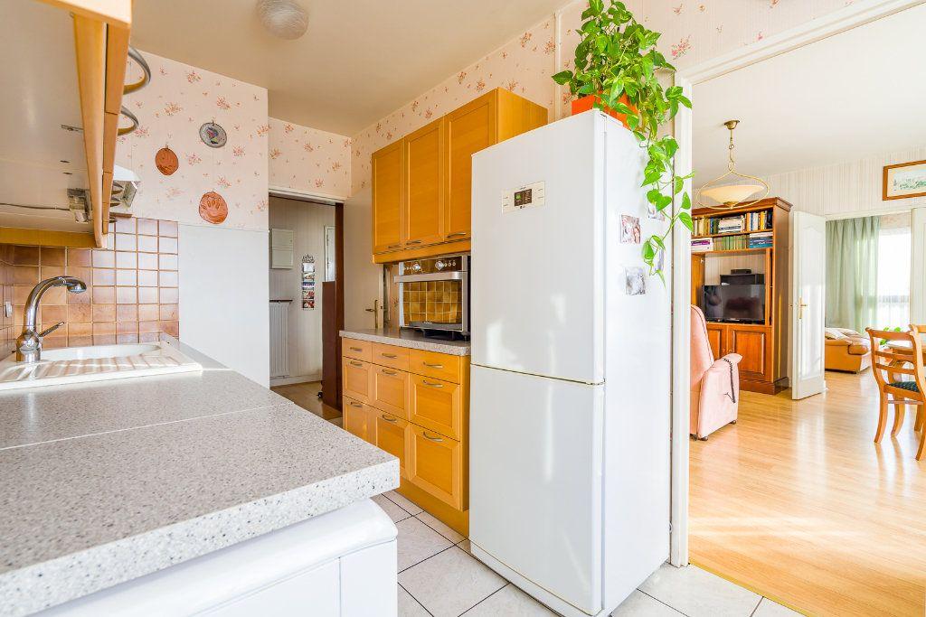 Appartement à vendre 4 80m2 à Sucy-en-Brie vignette-7