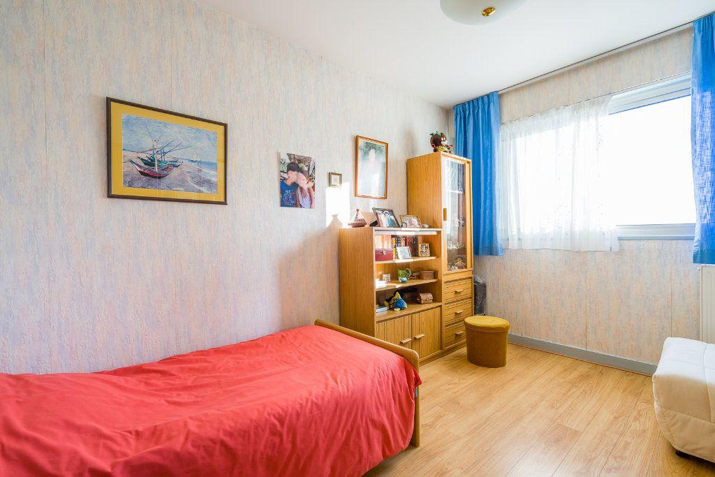 Appartement à vendre 4 80m2 à Sucy-en-Brie vignette-8