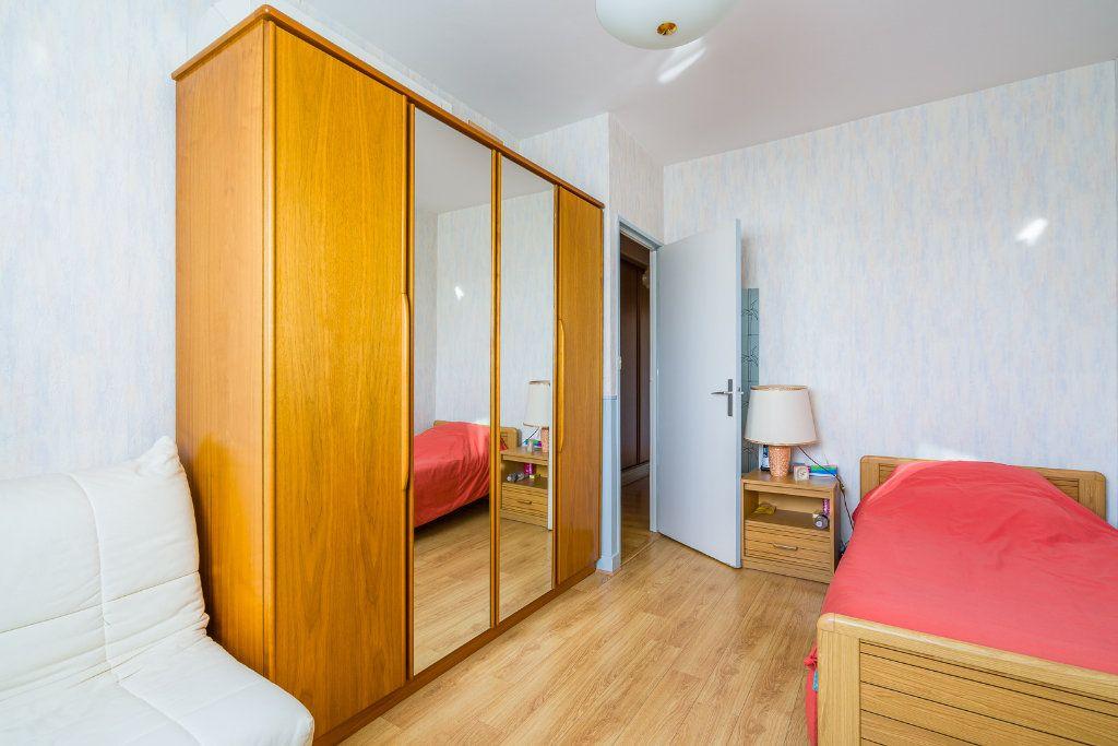 Appartement à vendre 4 80m2 à Sucy-en-Brie vignette-9