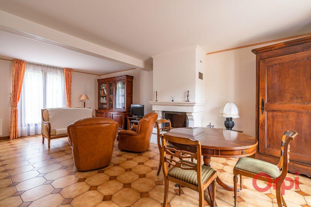 Maison à vendre 6 101m2 à Sucy-en-Brie vignette-3