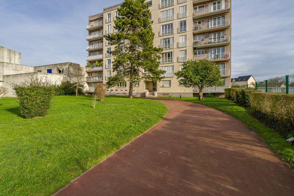 Appartement à vendre 4 79m2 à Sucy-en-Brie vignette-2