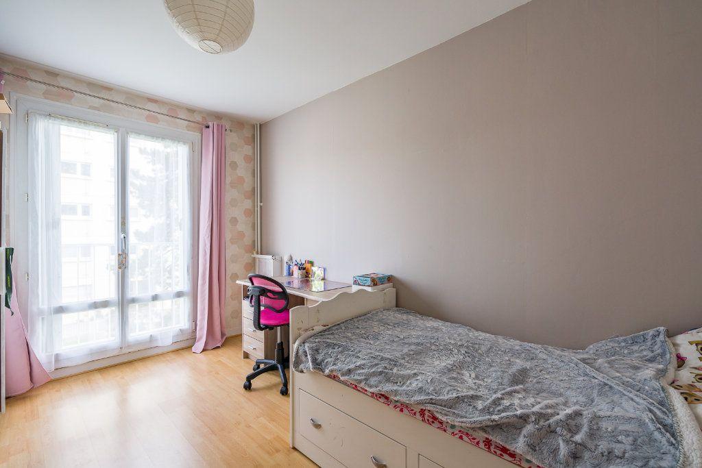 Appartement à vendre 4 79m2 à Sucy-en-Brie vignette-9