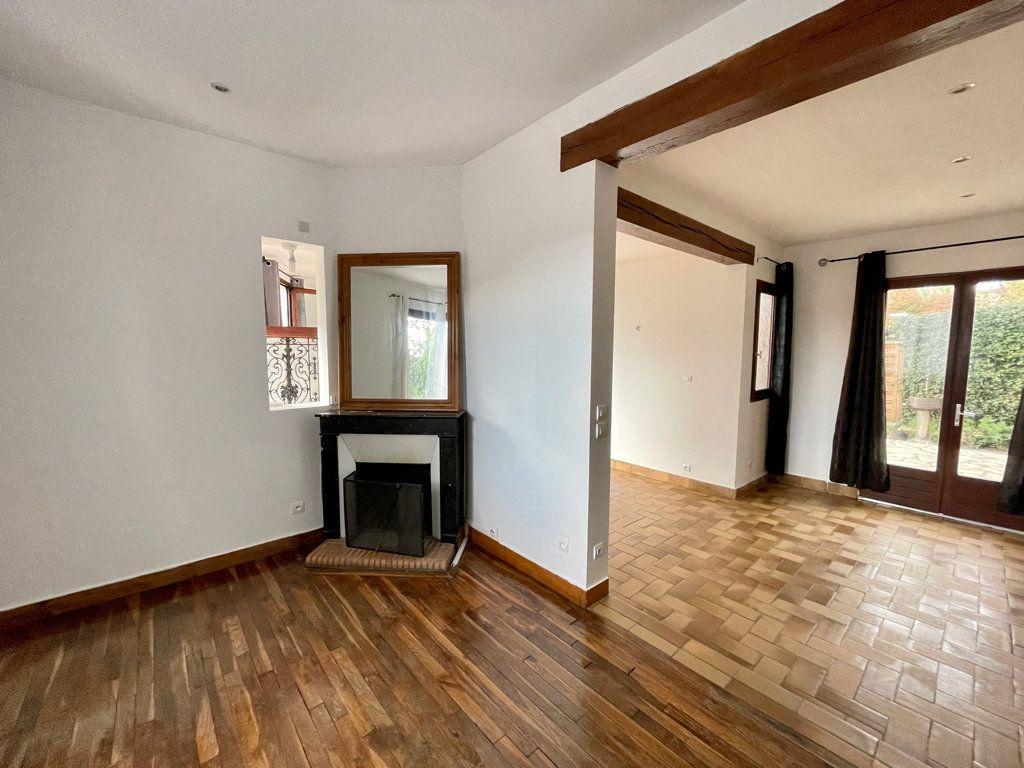 Maison à vendre 5 104m2 à Sucy-en-Brie vignette-4