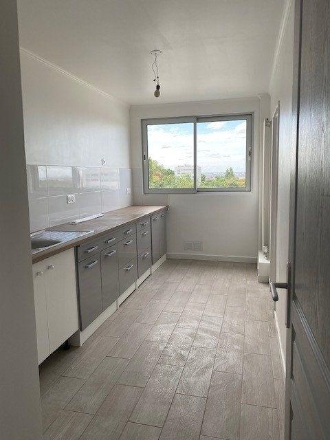 Appartement à louer 3 68.82m2 à Sucy-en-Brie vignette-1