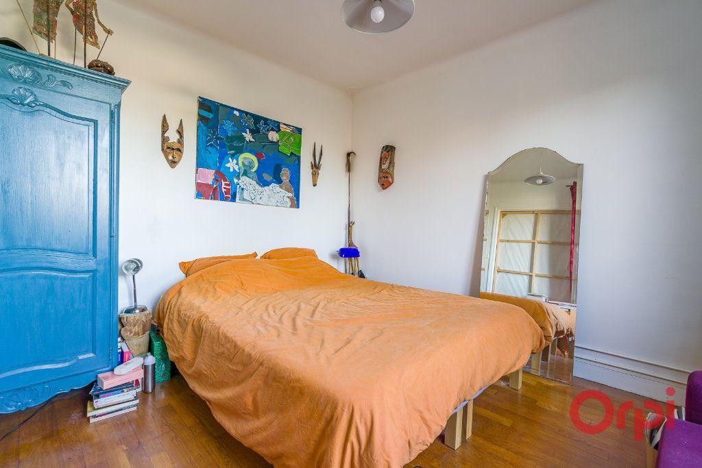 Appartement à vendre 4 81.11m2 à Sucy-en-Brie vignette-5