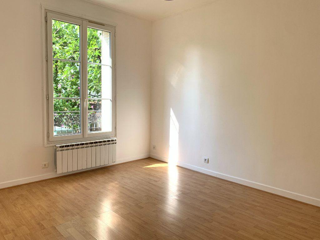 Appartement à louer 2 35m2 à Le Perreux-sur-Marne vignette-2