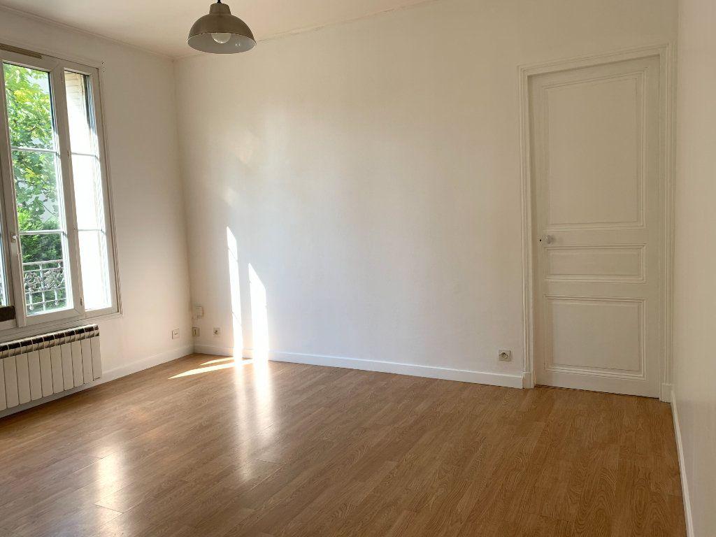 Appartement à louer 2 35m2 à Le Perreux-sur-Marne vignette-4
