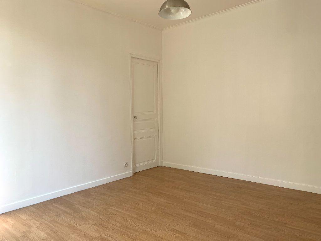 Appartement à louer 2 35m2 à Le Perreux-sur-Marne vignette-5