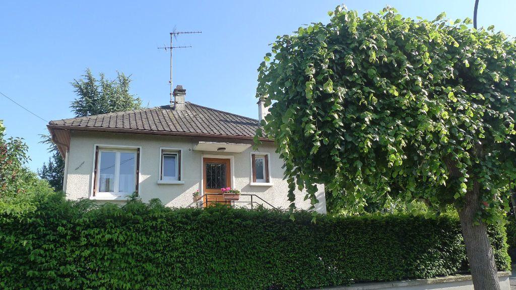 Maison à louer 3 52.75m2 à Noisy-le-Grand vignette-1