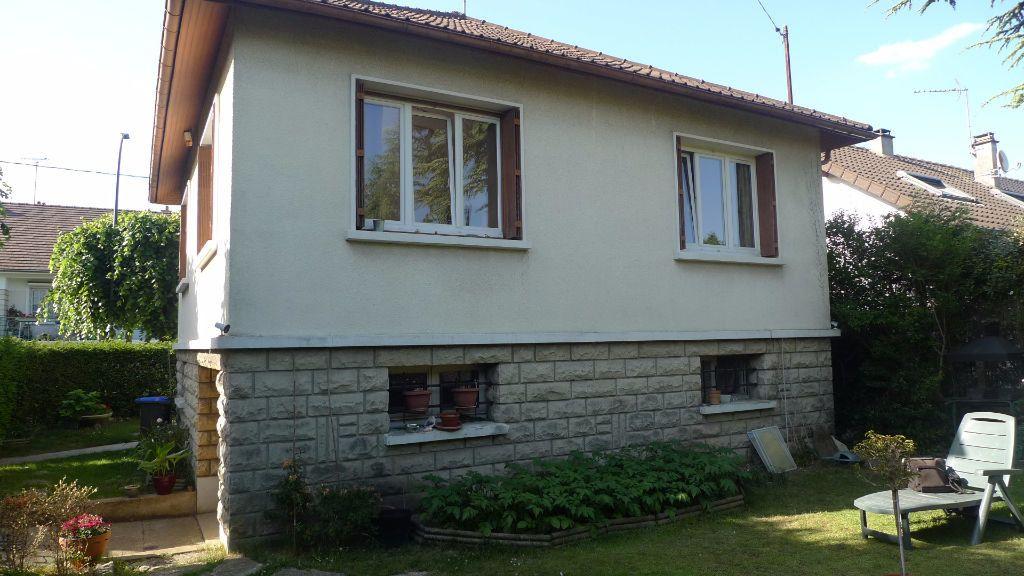 Maison à louer 3 52.75m2 à Noisy-le-Grand vignette-2