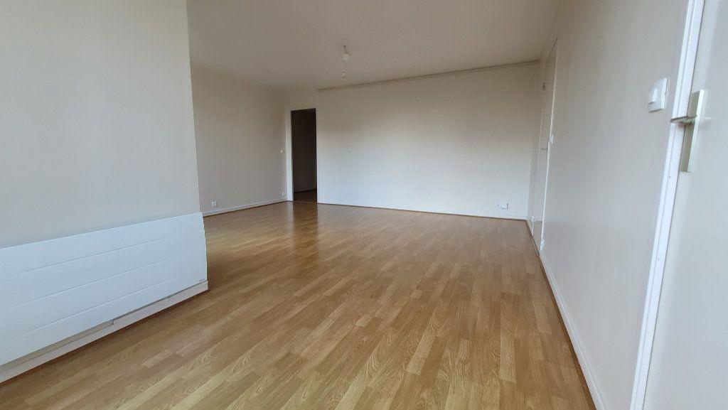 Appartement à louer 2 52.47m2 à Nogent-sur-Marne vignette-3