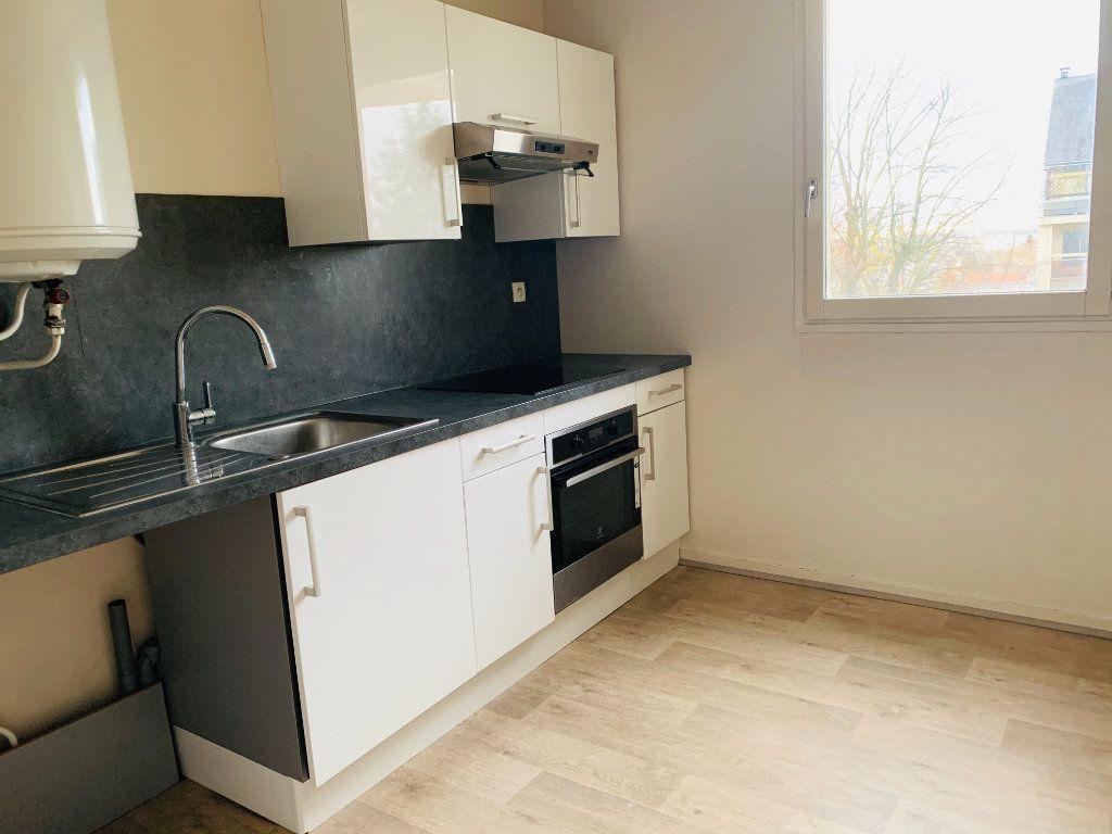 Appartement à louer 2 52.47m2 à Nogent-sur-Marne vignette-5