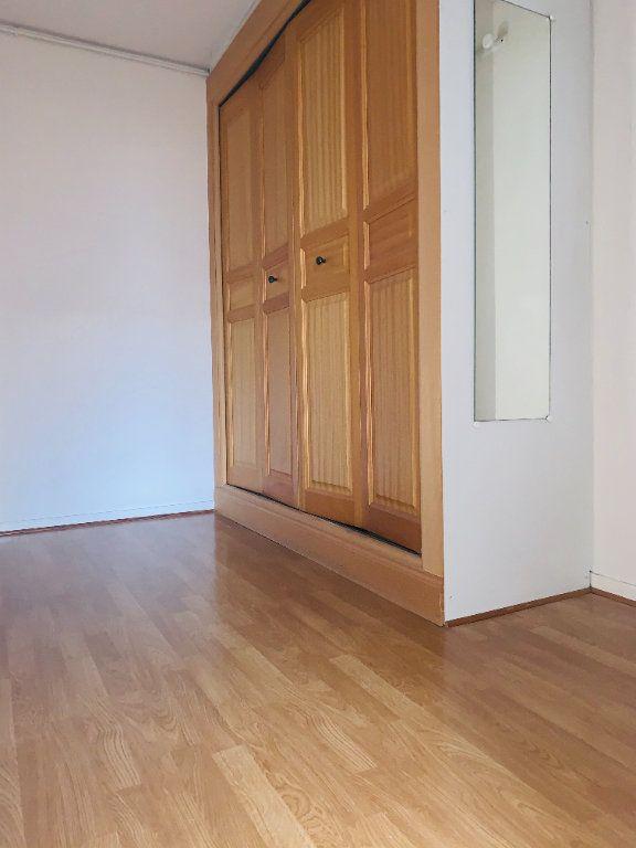 Appartement à louer 2 52.47m2 à Nogent-sur-Marne vignette-9