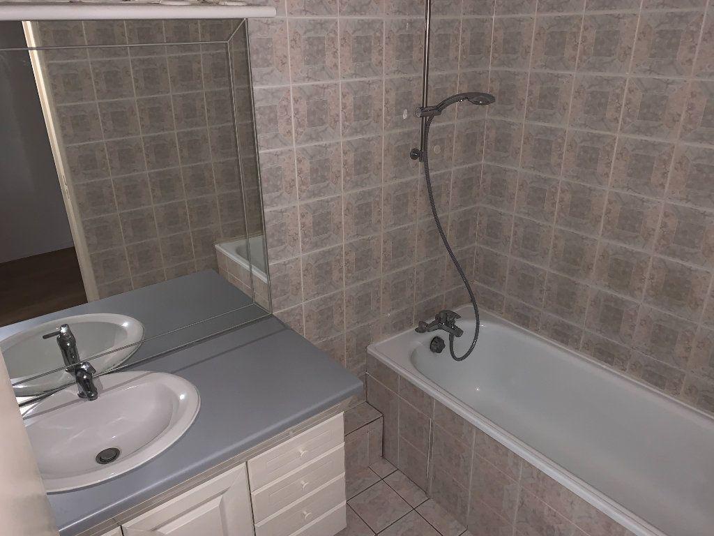 Appartement à louer 2 52.47m2 à Nogent-sur-Marne vignette-10