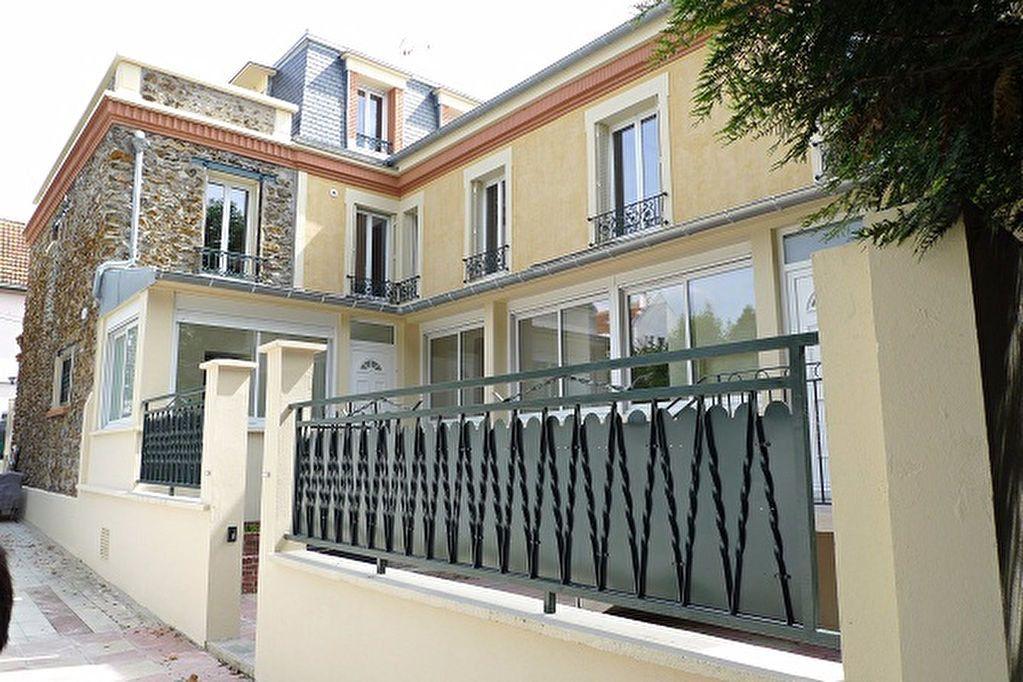 Appartement à louer 2 55.67m2 à Fontenay-sous-Bois vignette-1