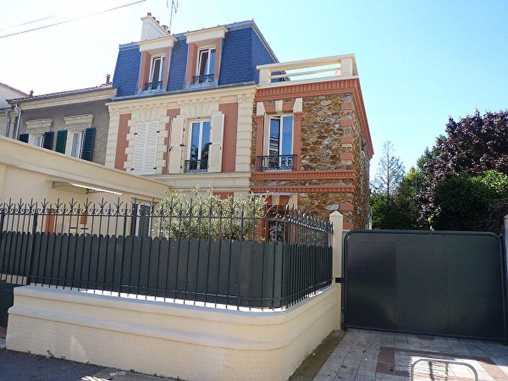 Appartement à louer 2 55.67m2 à Fontenay-sous-Bois vignette-2