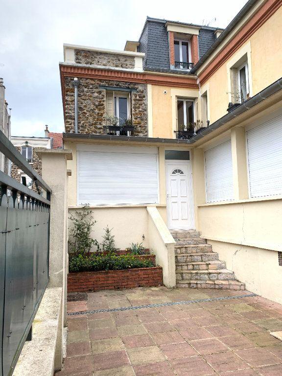Appartement à louer 2 55.67m2 à Fontenay-sous-Bois vignette-3