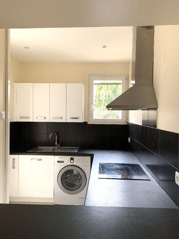 Appartement à louer 2 55.67m2 à Fontenay-sous-Bois vignette-6