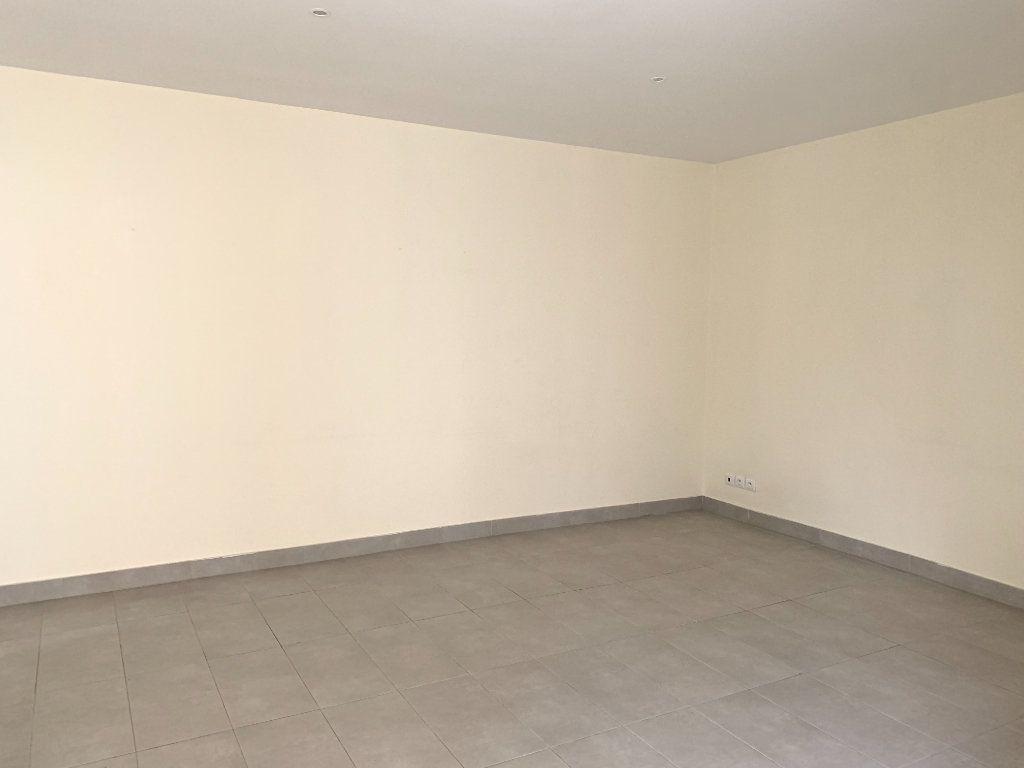 Appartement à louer 2 55.67m2 à Fontenay-sous-Bois vignette-7