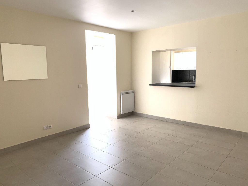 Appartement à louer 2 55.67m2 à Fontenay-sous-Bois vignette-8