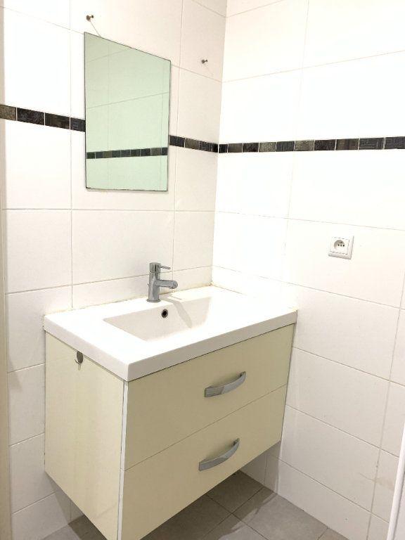 Appartement à louer 2 55.67m2 à Fontenay-sous-Bois vignette-10