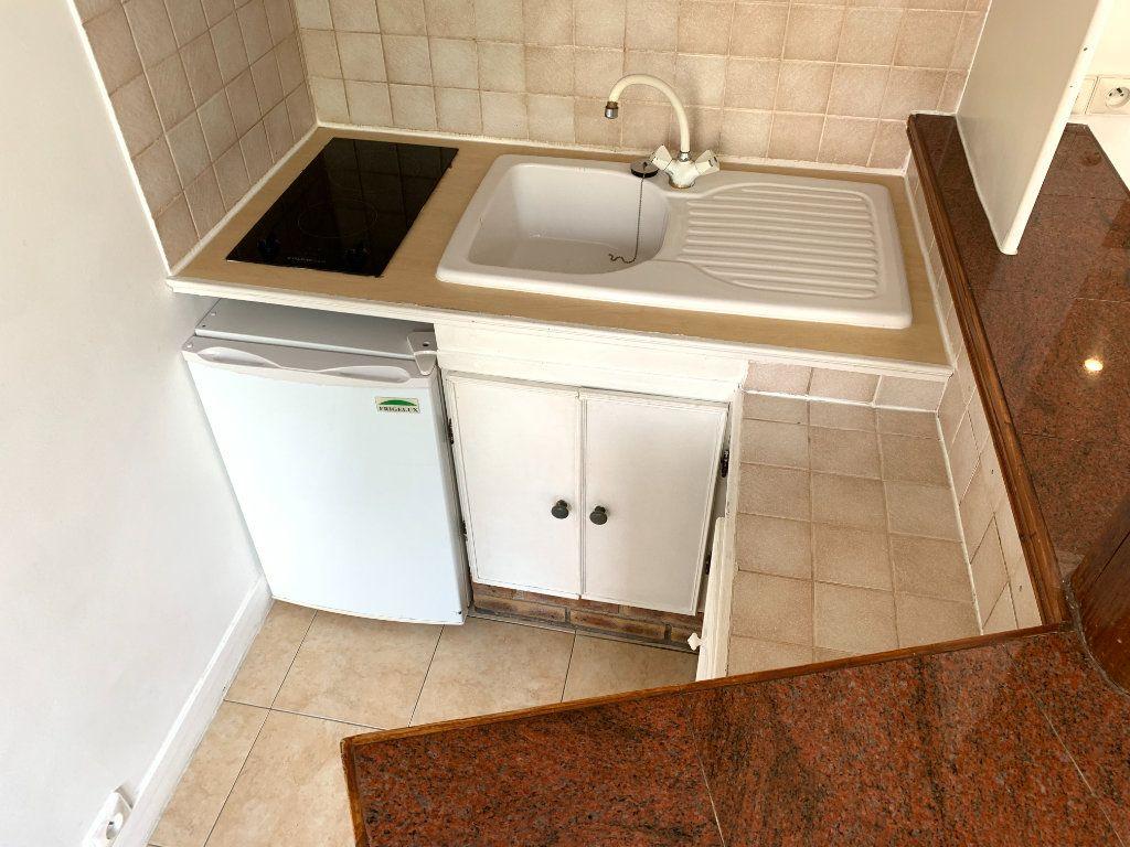 Appartement à louer 1 14.07m2 à Nogent-sur-Marne vignette-5