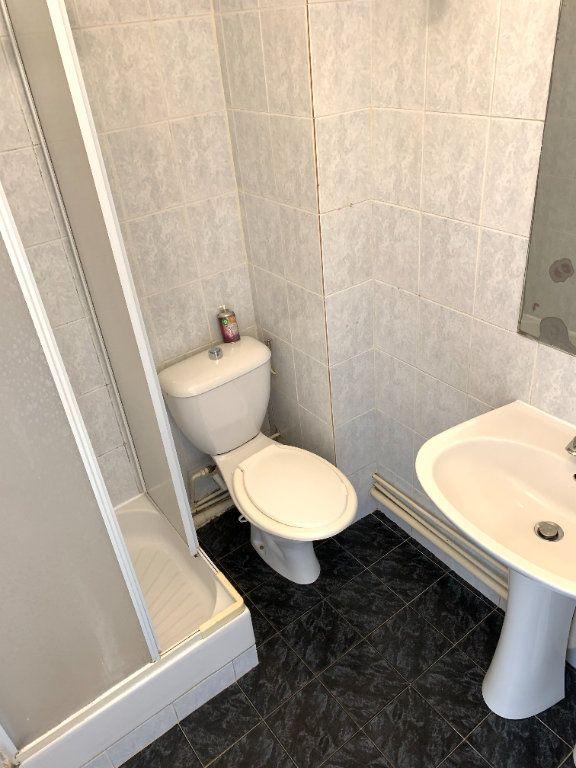 Appartement à louer 1 14.07m2 à Nogent-sur-Marne vignette-6