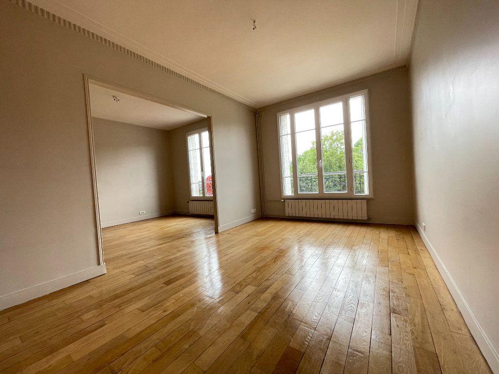 Appartement à louer 3 61.69m2 à Nogent-sur-Marne vignette-1