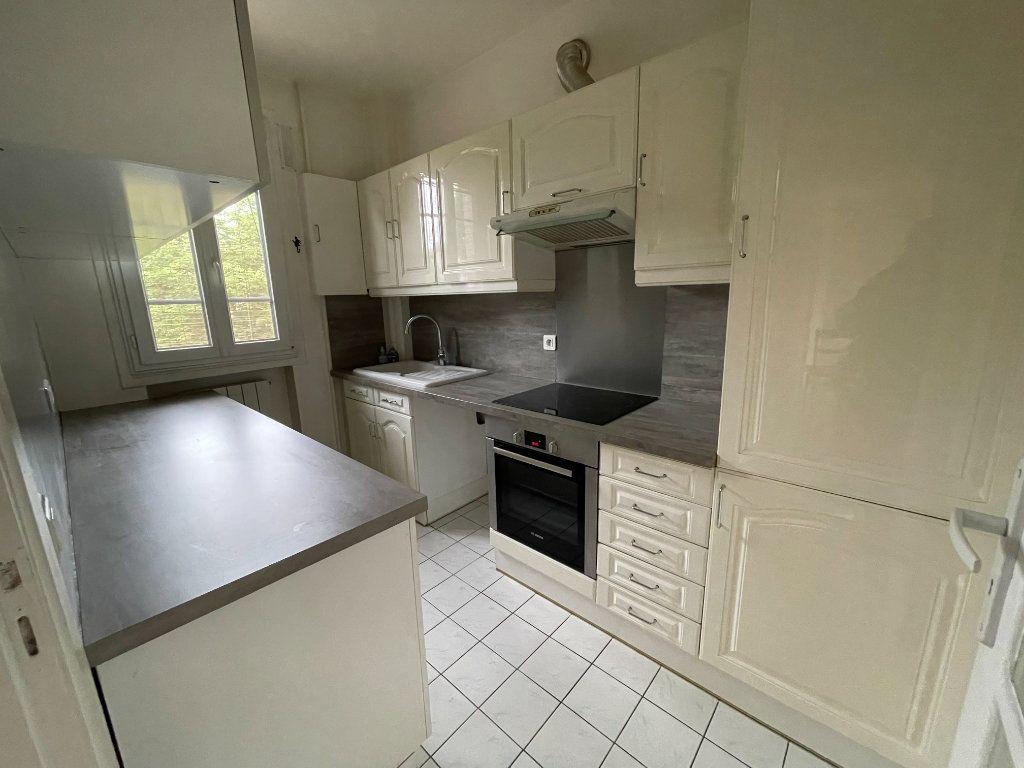 Appartement à louer 3 61.69m2 à Nogent-sur-Marne vignette-2