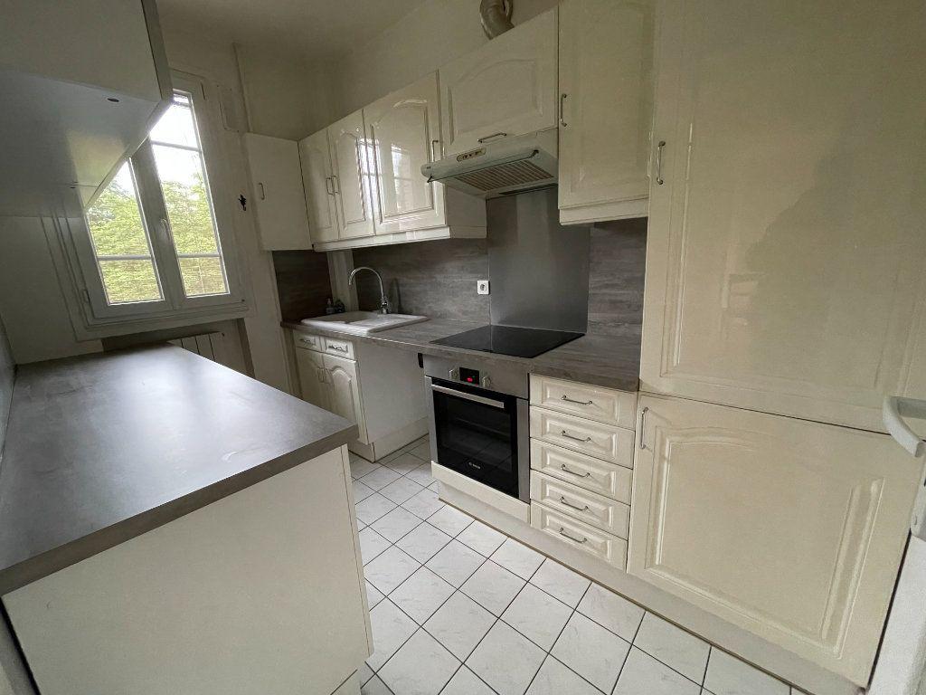 Appartement à louer 3 61.69m2 à Nogent-sur-Marne vignette-6