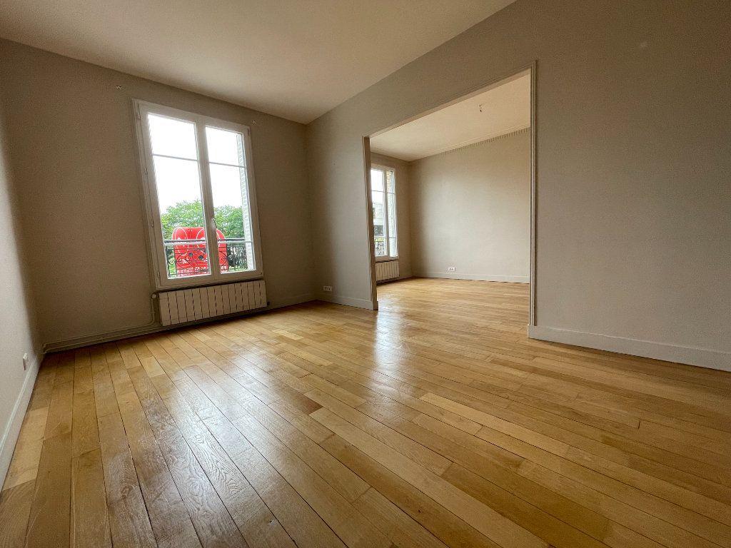 Appartement à louer 3 61.69m2 à Nogent-sur-Marne vignette-7
