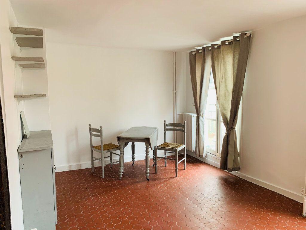 Appartement à louer 1 23.22m2 à Paris 3 vignette-5