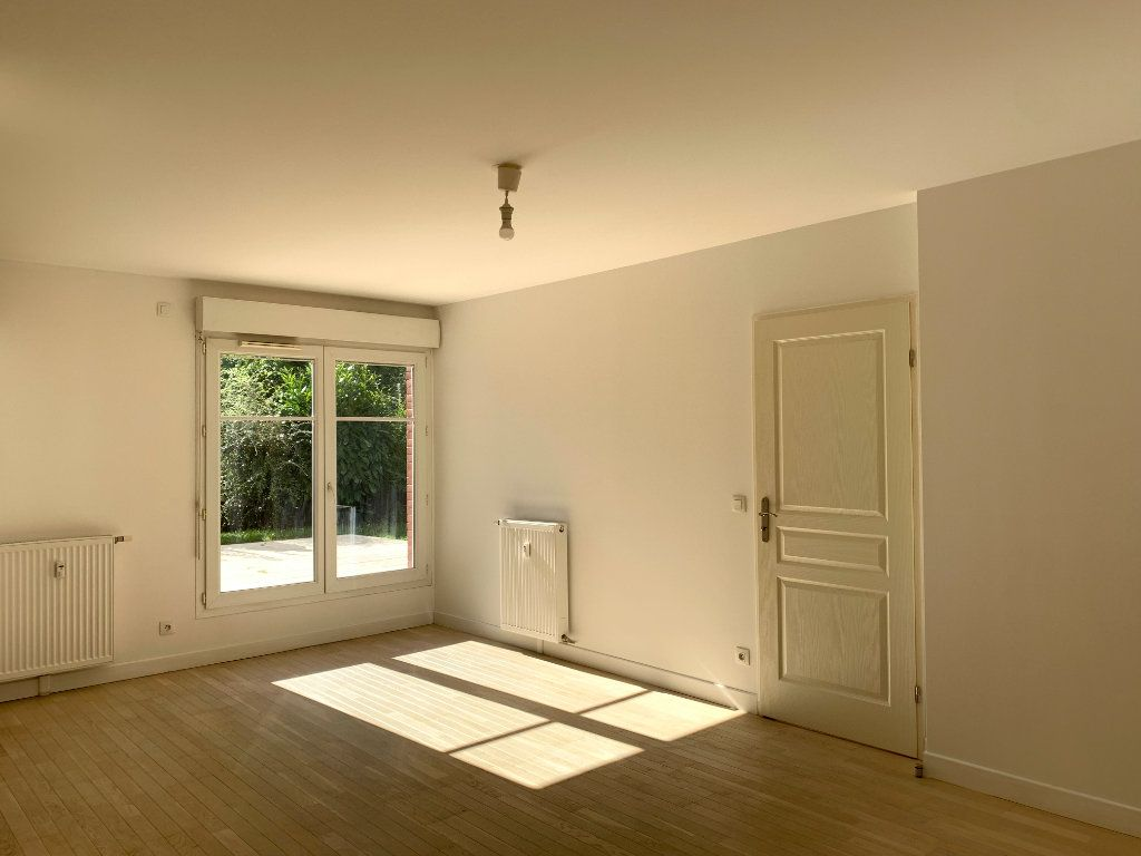 Appartement à louer 2 47.48m2 à Nogent-sur-Marne vignette-4