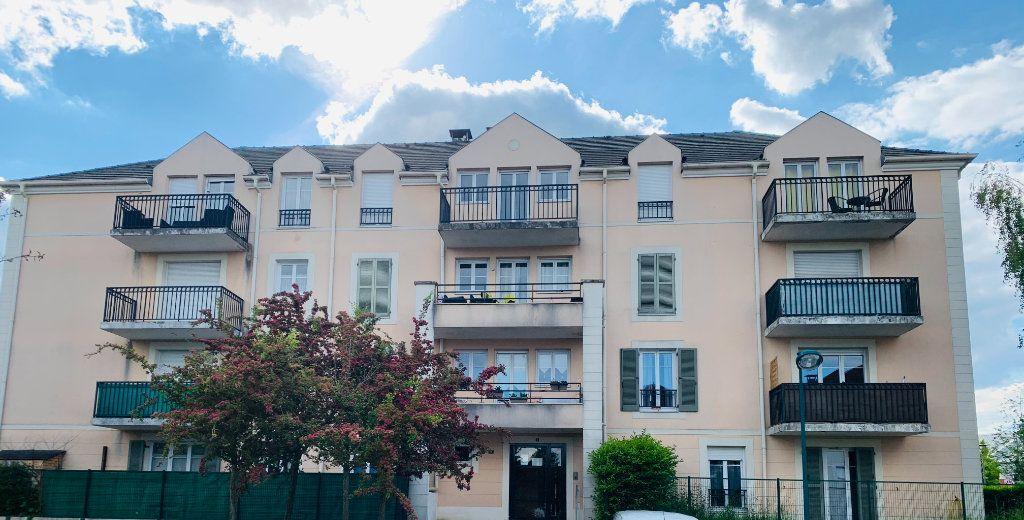 Appartement à louer 3 61.44m2 à Magny-le-Hongre vignette-1