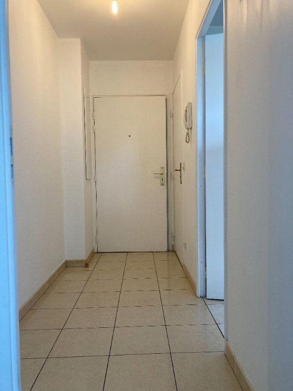 Appartement à louer 2 48.27m2 à Fontenay-sous-Bois vignette-2