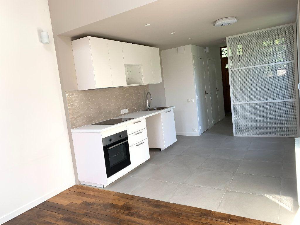 Maison à louer 3 60m2 à Le Perreux-sur-Marne vignette-4