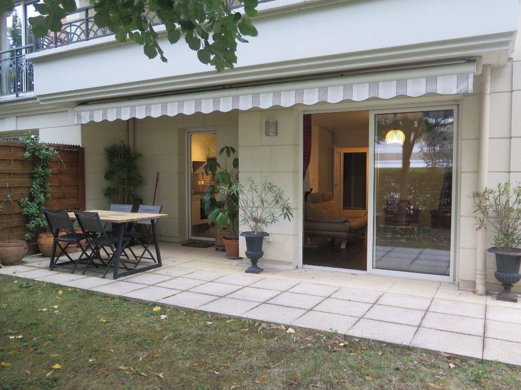 Appartement à louer 3 68.09m2 à Le Perreux-sur-Marne vignette-1