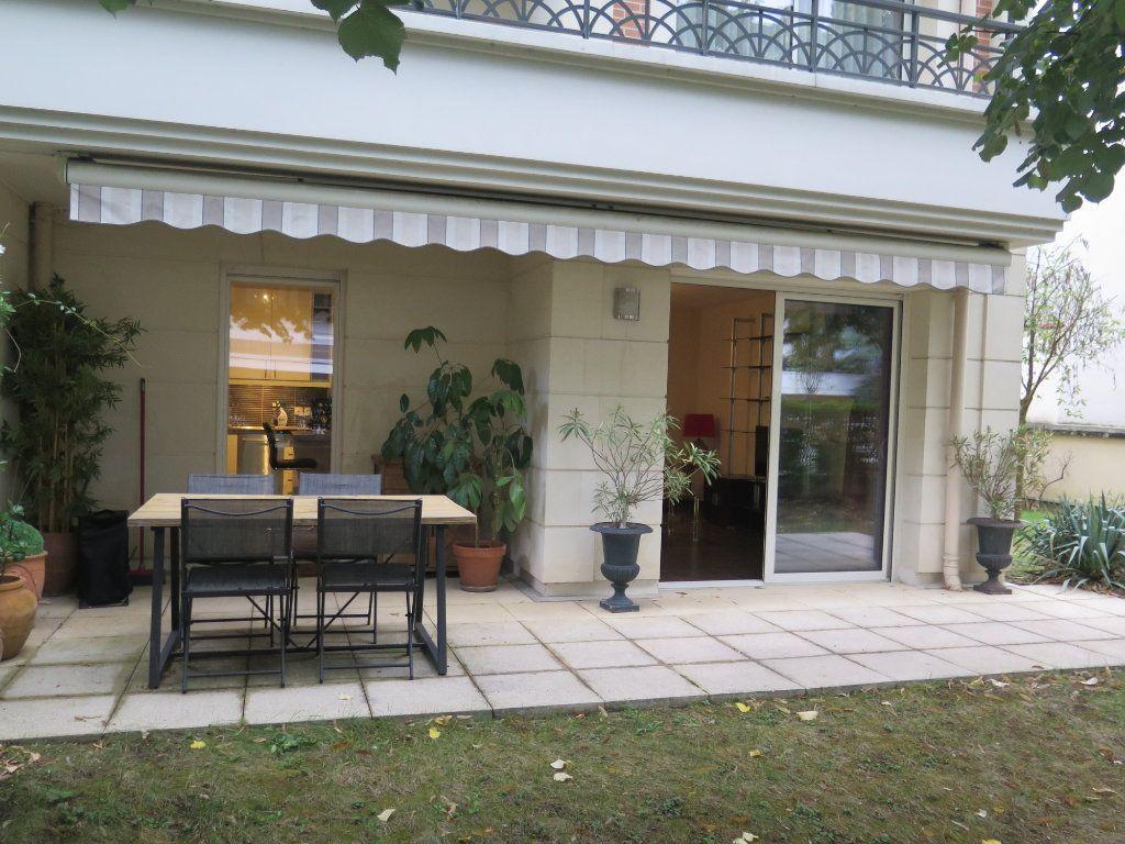 Appartement à louer 3 68.09m2 à Le Perreux-sur-Marne vignette-3