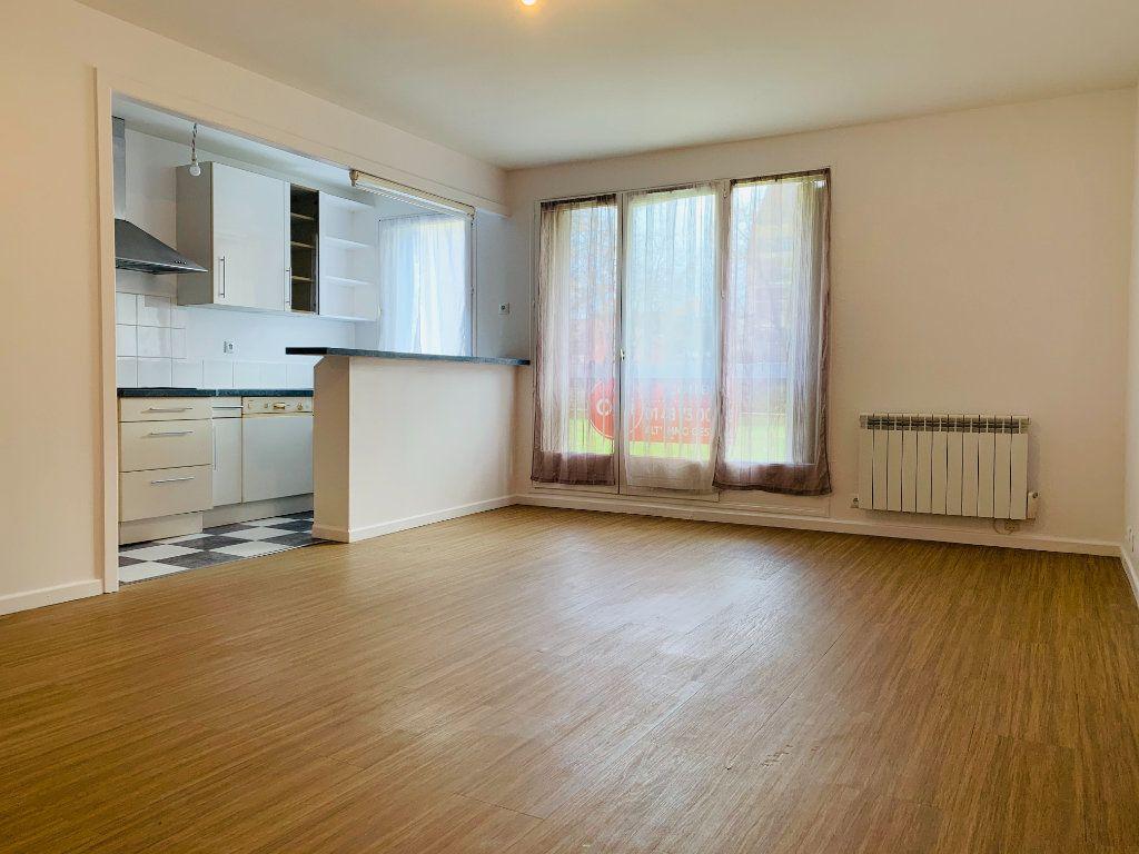 Appartement à louer 3 71.24m2 à Nogent-sur-Marne vignette-1