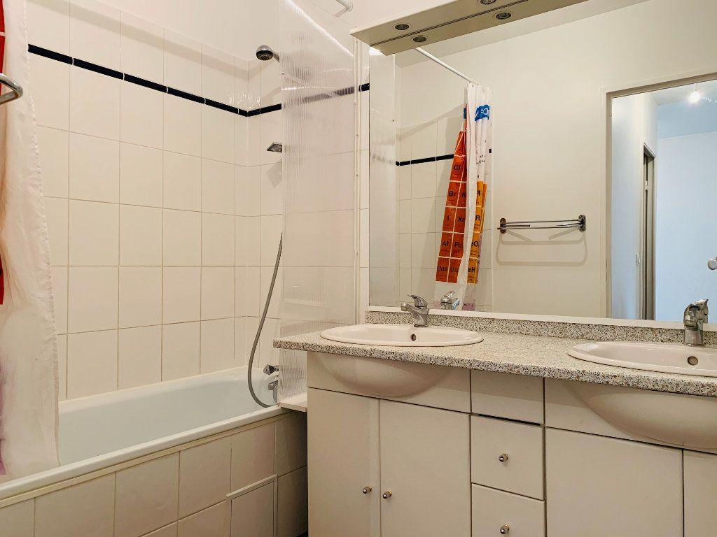 Appartement à louer 3 71.24m2 à Nogent-sur-Marne vignette-3