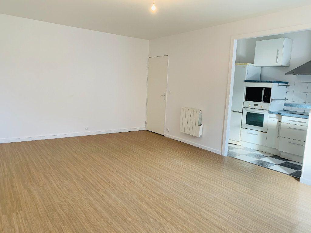 Appartement à louer 3 71.24m2 à Nogent-sur-Marne vignette-4