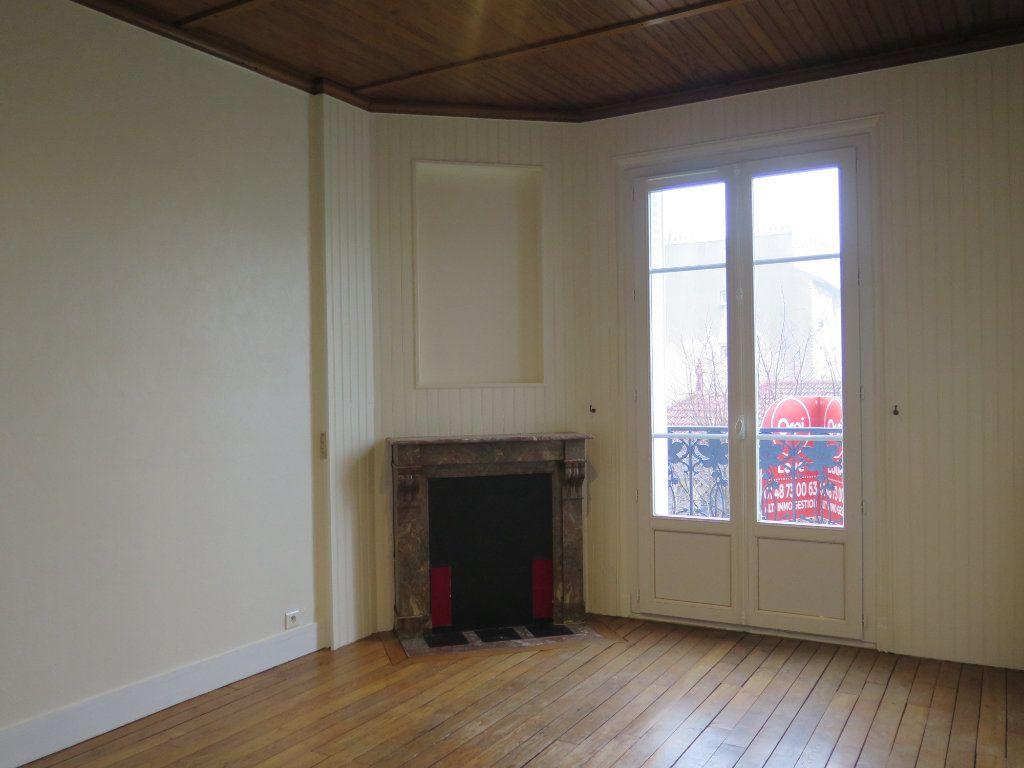 Appartement à louer 3 48.83m2 à Nogent-sur-Marne vignette-2
