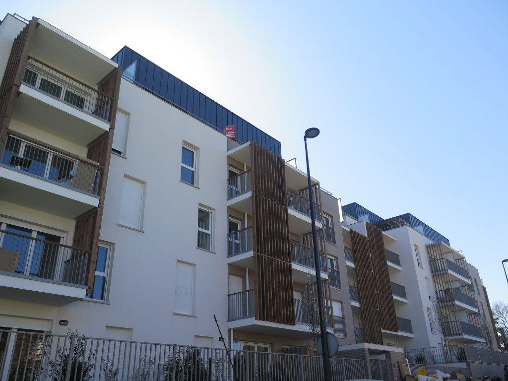 Appartement à louer 3 58.02m2 à Champigny-sur-Marne vignette-1