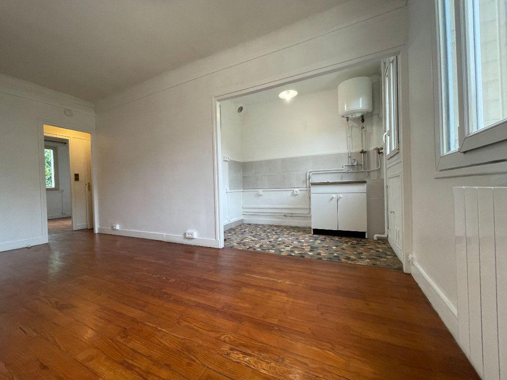 Appartement à louer 2 34.37m2 à Nogent-sur-Marne vignette-2