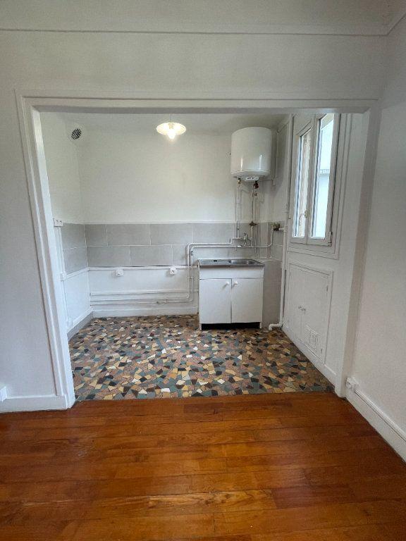 Appartement à louer 2 34.37m2 à Nogent-sur-Marne vignette-4