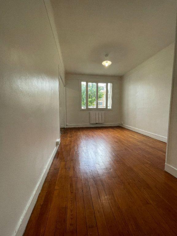 Appartement à louer 2 34.37m2 à Nogent-sur-Marne vignette-5